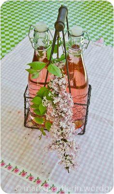 Fliederblüten Sirup/Lilac Flower Syrup