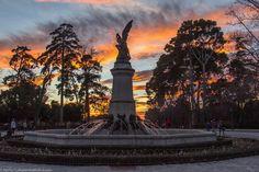 La plaza del ángel caído. Parque del Retiro, Madrid.