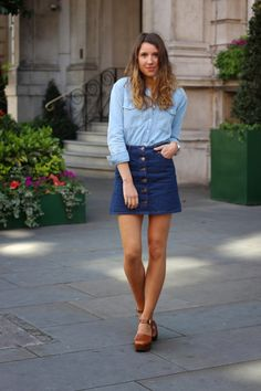 20 Modern Ways to Style a Denim Skirt for Spring - double denim ensemble with a dark wash a-line denim skirt + light wash chambray shirt worn with brown leather platform heels A Line Skirt Outfits, A Line Denim Skirt, Denim Skirt Outfits, Denim Skirts, Outfit Jeans, Jeans Dress, Clogs Outfit, Moda Fashion, Denim Fashion