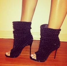 high heels – High Heels Daily Heels, stilettos and women's Shoes High Heels Boots, Heeled Boots, Bootie Boots, Shoe Boots, Ankle Boots, Boot Heels, Hot Shoes, Crazy Shoes, Me Too Shoes