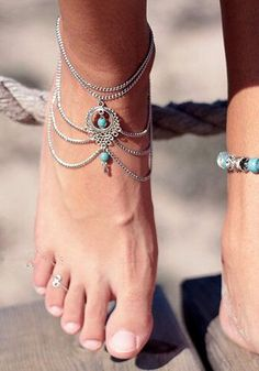 Show some love on your ankles with this rhinestone silver chain anklet. It has delicate rhinestone charm and silver chain detailing. It also has adjustable lobster closure for easy wear.