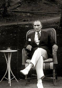 Mustafa Kemal Atatürk - the hero who saved the Turkish people from the ottoman empire. He is also founder of Republic of Turkey and was the first president. Persona, Turkish Army, Turkish People, Thing 1, Georgia, Great Leaders, Triumph Motorcycles, Ottoman Empire, World Leaders
