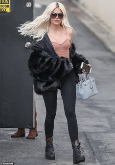 khloe kardashian outfits best outfits - Page 4 of 101 - Celebrity Style and Fashion Trends Khloe Kardashian Outfits, Kardashian Kollection, Kardashian Jenner, Kardashian Fashion, Style Outfits, Cool Outfits, Casual Outfits, Fashion Outfits, Fashion Trends