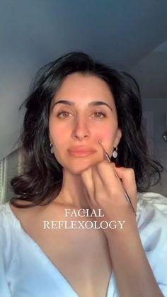 Beauty Secrets, Beauty Hacks, Beauty Skin, Hair Beauty, Facial Massage, Face Skin Care, Tips Belleza, Reflexology, Face And Body