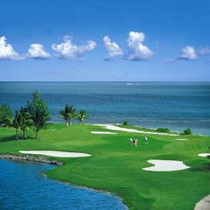 Golf awaits at the Sunshine Suites, Cayman Islands