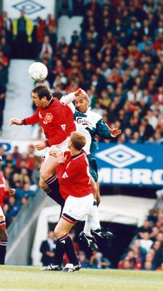 Manchester United 2-2 Liverpool: Eric Cantona's 1995 comeback - Manchester Evening News