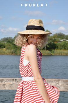 Unsere rot-weiß-gestreifte Limited Edition bringt deinen Summer Look wahrhaftig zum Leuchten. ✨ #NachhaltigesWickelkleid #SlowFashion #NachhaltigeMode #Styleinspiration #summeroutfit #summerstyle #summerlook Summer Looks, Capsule Wardrobe, Panama Hat, Summer Outfits, One Piece, Trends, Hats, Fashion, Sustainable Fashion