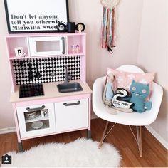 IKEA Kinderküche Duktig in schwarz-weiß und rosa