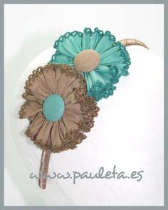 Diadema combinada a dos colores, hecha con tableado algodón y terminada con puntillitas... toda un acierto www.pauleta.es #diademas