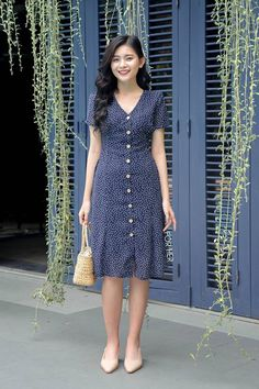 Stylish Dresses For Girls, Modest Dresses, Simple Dresses, Cute Dresses, Casual Dresses, Short Dresses, Fashion Dresses, Classy Dress, Classy Outfits