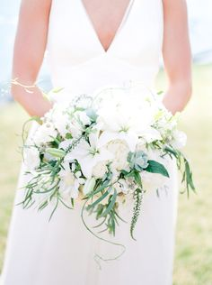 Organic white + green bouquet: Photography : Alexandra Grace Photography Read More on SMP: http://www.stylemepretty.com/washington-weddings/seattle/2016/05/11/this-seattle-wedding-has-the-ultimate-cool-factor/