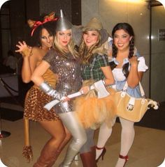 Halloween is a time to pull out some unique Halloween costumes for best friends! So we found some great Group Halloween Costumes for you and your best friends. Look at a list of these super cool Girlfriend Group Halloween Costumes, and you can find s Cute Halloween Costumes, Diy Costumes, Halloween Diy, Happy Halloween, Homemade Costumes, Zombie Costumes, Halloween Couples, Wizard Of Oz Costumes Diy, Halloween Makeup