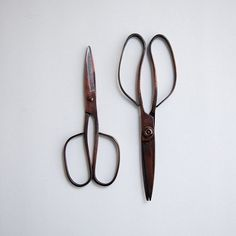 Tajika Haruo ironworks have been producing handcrafted scissors in Ono city Japan, for 4 generations. Each piece is hand forged and hand sharpened using traditional methods dating back to the Showa period.