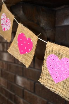 Add a little bit of rustic decor to your home for Valentine's Day with this burlap & fabric hearts banner! Burlap Bunting, Burlap Fabric, Buntings, Hessian, Valentine Decorations, Valentine Crafts, Valentine Banner, Burlap Crafts, Diy And Crafts