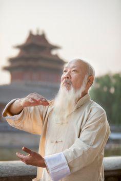 Senior Man Practicing Tai Ji # tai chi chuan Crédits : XiXinXing