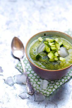 """Saveurs Végétales: Petite soupe """"détox"""" glacée { avocat, concombre, spiruline…"""
