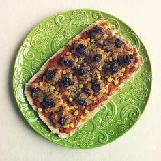 #vegan #veganfood #veganfoodporn #veganfoodshare #plantbased #plantstrong #instafood #instafoodie #pizza #veganpizza #Padgram
