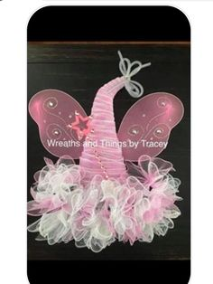 DT witch Hat - Pink Fairy - 2017 - Wreaths and Things by Tracey Wreath Crafts, Diy Wreath, Wreath Ideas, Easter Wreaths, Holiday Wreaths, Adornos Halloween, Halloween Hats, Princess Wreath, Candy Cane Wreath