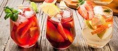 Enjoy t the typical summer drinks of Andalucia. The sangria, tinto de verano, rebujito and other refreshing drinks ideal for the Andalucian summer. Sangria Bar, Non Alcoholic Sangria, Wine Cocktails, Classic Cocktails, Rode Sangria, Summertime Drinks, Summer Drinks, Cooking Wine, Mojito