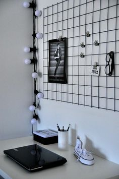 Teen room lighting PC desk