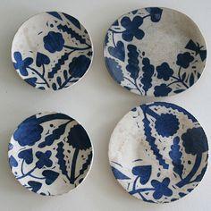 Makoto Kagoshima blue and white ceramics Ceramic Tableware, Ceramic Clay, Ceramic Bowls, Pottery Plates, Ceramic Pottery, Earthenware, Stoneware, Kagoshima, Plates And Bowls