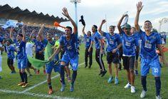 Los jugadores celebraron con su gente | Foto: Eddy Pacheco