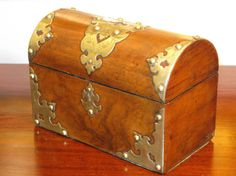 Antique 19th Century Victorian Period Dome Top Brass Bound Walnut Jewellery Trincket Box Circa 1880  An antique Victorian piece of simply the finest of cabinet work, a stunningly beautiful mahogany table top jewellery or trincket box with a wonderful grain and exquisite brass binding decoration. In lovely antique condition alas no key, Dimensions: 7 7/8(20cm) wide by 4 1/4 (10.8cm) by 5 1/2(14cm) deep