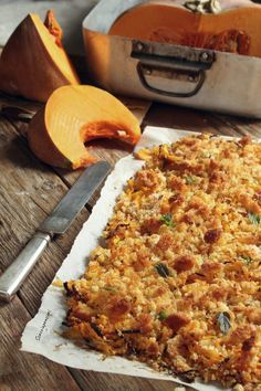 Il Crumble di zucca al forno è una ricetta sfiziosa, facilie e leggera! ottimo come contorno, un modo gustoso di preparare la Zucca!!! Best Italian Recipes, My Recipes, Cooking Recipes, Favorite Recipes, Vegetable Recipes, Vegetarian Recipes, Healthy Recipes, Easy Cooking, Cooking Time