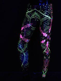 """Schwarzlicht Leggings """"Atomic Generator"""" #blacklight #schwarzlicht #neon #party #psy #clothing #publicbeta"""