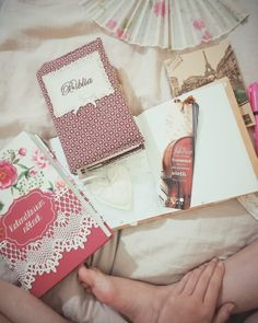 #vintage #vintagelove #journal #violin #bible #holybible #paris #nudecolors #burgundy ©vbphotography