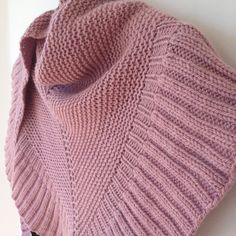 Mara shawl is beautiful and uncomplicated, could be a perfect prayer shawl - free pattern by Madeline Tosh