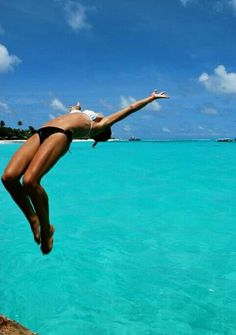 The glorious Summer Bikini Belly Solution! Great video for women. Summer Vibes, Summer Of Love, Summer Beach, Summer Days, Pink Summer, Style Summer, Bikini Rouge, I Need Vitamin Sea, Come Undone