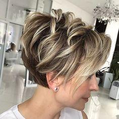 Ash Blonde Short Hair, Short Red Hair, Blonde Pixie Cuts, Short Hair With Layers, Pixie Long Bangs, Short Pixie Bob, Mom Hairstyles, Cute Hairstyles For Short Hair, Short Hair Styles