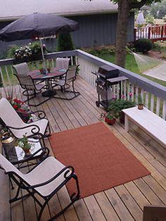 Great deck decorating idea.