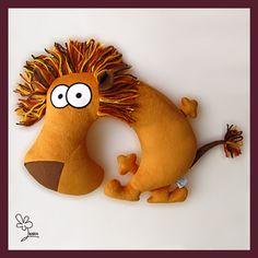 Pillows small animals:  On the neck and under the ear, Functional limitless (road cushion,...) Lenkin - Царь Зверей Евстигней