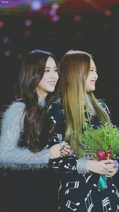 Blackpink Jennie x Jisoo  JenSoo couple