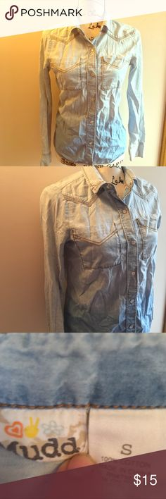 Chambray Ombré Pearl Snap Button Down Jean Shirt Chambray Ombré Pearl Snap Button Down Jean Shirt - size S. Great condition! Mudd Tops Button Down Shirts
