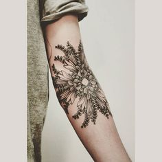 Art x inspirations ❤✏ #art #tattoo #tattoomonster #themonster #instatattoo #inspirations #jobs #work #fashion #fashionillustration #ideas #flowers
