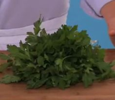 How to Clean, Chop, and Store Parsley