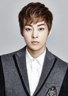 #wattpad #fanfic Curiosidades sobre tus idols del K-pop y actores coreanos. Si quieren que ponga a un idol en especial tienen que comentarlo. xD
