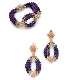 Lot : VAN CLEEF & ARPELS   - Rare bracelet et paire de pendants d'oreilles  - En or jaune[...] | Dans la vente Joaillerie - 3ème Partie à Artcurial