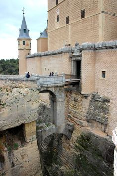 Alcazar de Segovia- Castle of Segovia, Spain - Looking like the bow of a ship, this royal palace was originally built as an Arab fort. It has also been a state prison, a Royal Artillery College and a military academy since then.