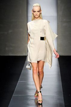See the entire collection from the Gianfranco Ferré Spring 2012 Ready-To-Wear runway show.