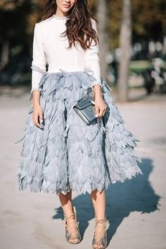 Unexpected Date-Night Looks Carrie Bradshaw Would Approve Of Blue Shoes Outfit, Blue Skirt Outfits, Feather Skirt, Blue Feather, Pastel Skirt, Night Outfits, Spring Dresses, Couture Dresses, Dress To Impress