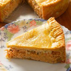 Empadão de Frango com Massa Podre - Youtube Sandwiches, Pie, Bread, Samara, Youtube, Desserts, Food, Yummy Recipes, Dessert
