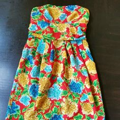 Beautiful Floral Print Dress Strapless..only worn once Forever 21 Dresses