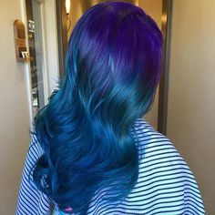 What better way to give yourself a brand new hair look than by changing the color entirely. These 25 amazing blue and purple hair looks are perfect! Dark Blue Hair, Ombre Hair Color, Purple Hair, Purple Ombre, Hair Colour, Blond Ombre, Brown Ombre Hair, New Hair Look, Beautiful Hair Color