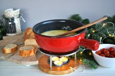 Tips kaasfondue Archives - Christmaholic. Indian Food Recipes, Vegetarian Recipes, Ethnic Recipes, Indian Kitchen, Small Meals, Happy Foods, Sugar And Spice, Party Snacks, No Cook Meals