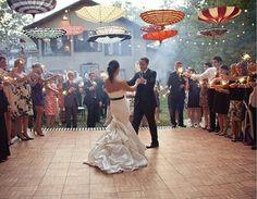 decoracao-de-casamento-com-guarda-chuvas-1
