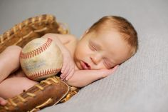 Newborn boy picture - in Daddy's baseball glove!
